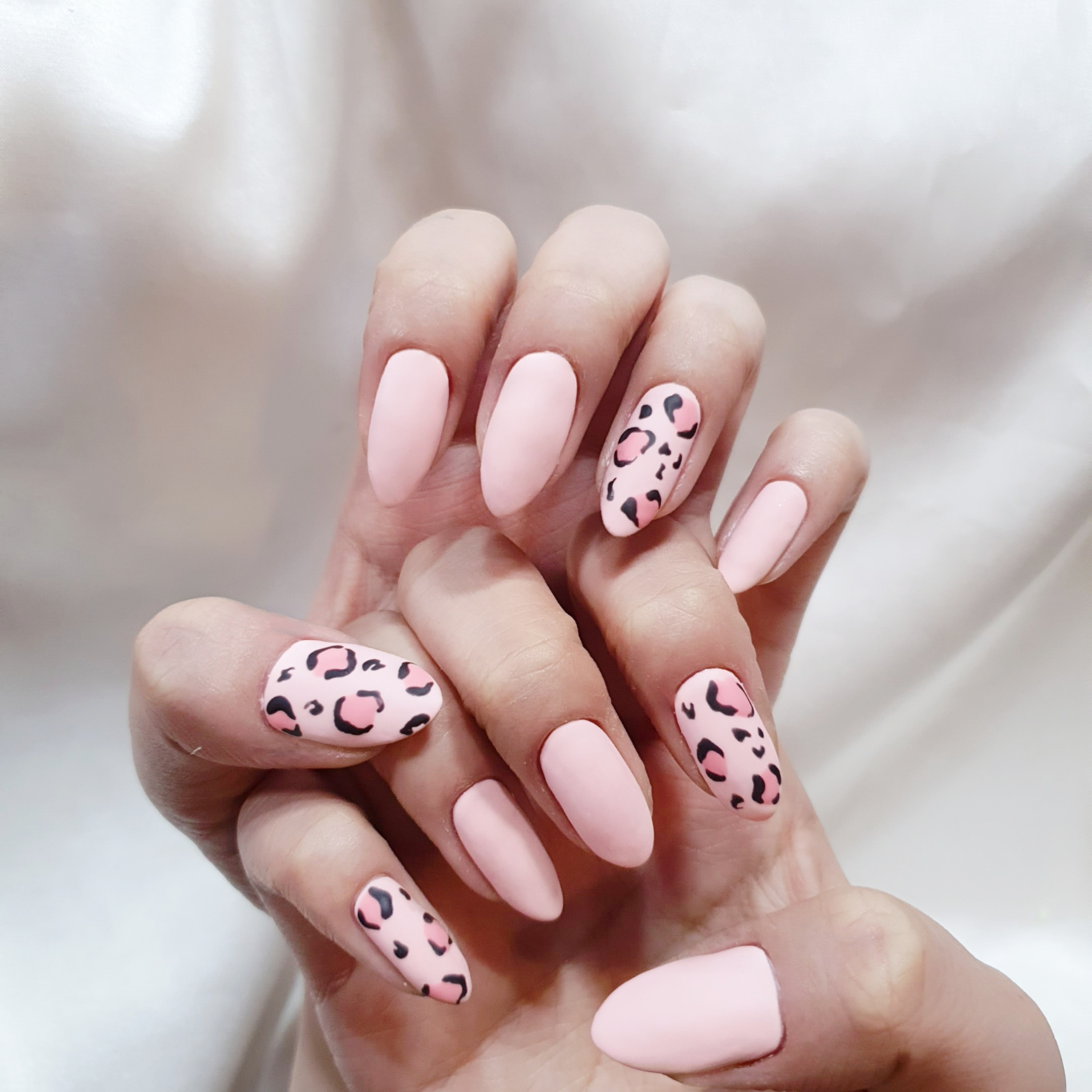 라운드,핑크,매트,호피