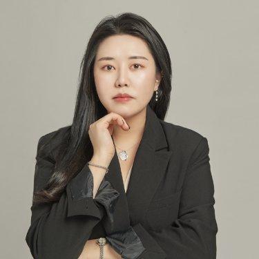 데이앤라이프 경의신촌역점 헤어디자이너 나윤