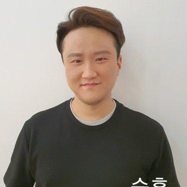 The 순수 헤어 성신여대2호점 디자이너 승훈